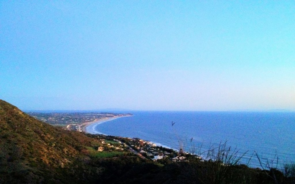 four tips on buying land in Malibu.