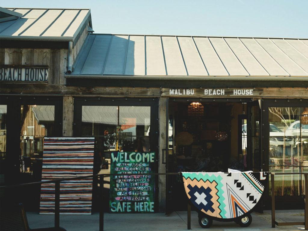 Shopping in Malibu: Trancas Country Market Malibu Beach House