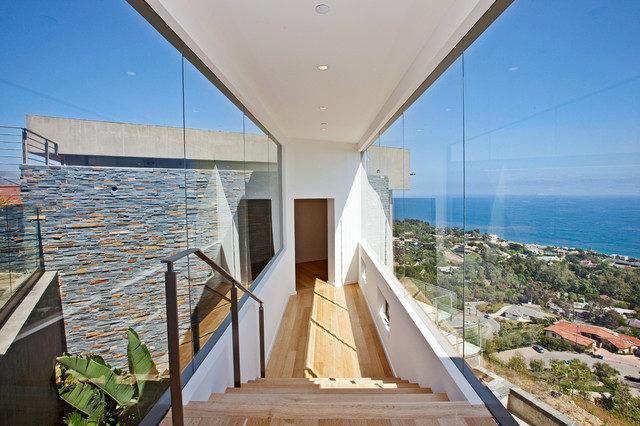 82-Malibu beach-style-hall