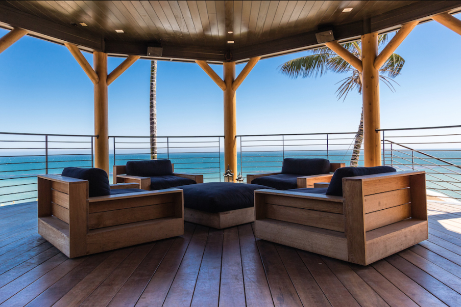 Malibu luxury homes contain many features such as awesome views