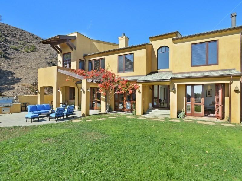 Malibu Neighborhoods: Malibu Country Estates