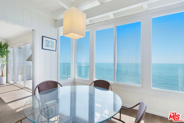 beach house, malibu, california, pch, pacific coast highway, kitchen